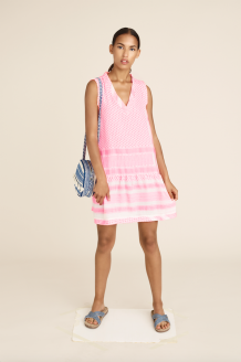 Jurk Cecilie Copenhagen Dress 2 V-Neck No Sleeve Neon Pink